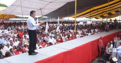 Héctor Yunes Landa, encuentro con cañeros, Atoyac, 09-04-2016-02