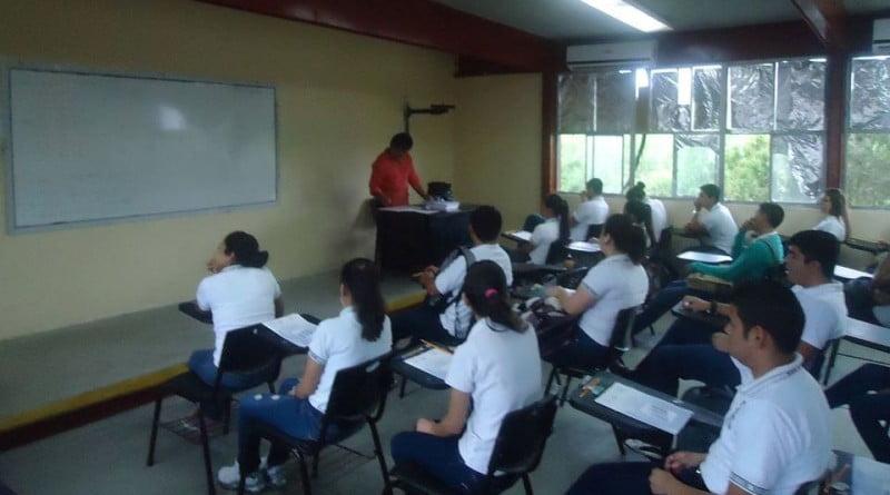 Invita CETis 129 a adultos a terminar la educación