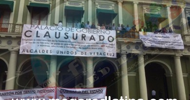 Alcalde de Tamalín se une a la toma del Palacio de Gobierno en Veracruz