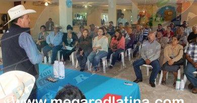 san-fernando-alcalde-entrega-apoyos-a-los-campesino