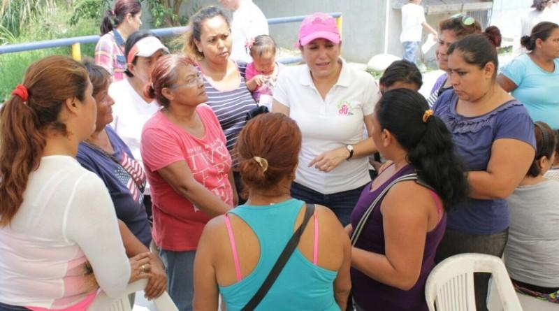 Vecinos de la colonia Las Flores reciben Jornada Medico-Asistencial del DIF Madero