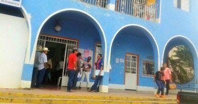 Exigen habitantes de Totutla_ se les suministre agua. (2)