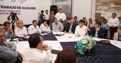 El Presidente Andrés Zorrilla asiste a reunión para an