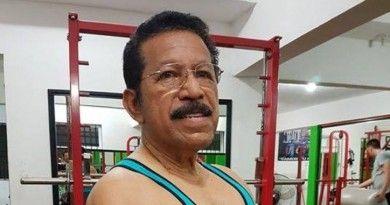Piden al Profesor Javier Ávila