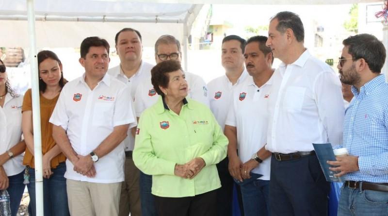 Alcaldesa de Tampico coloca primera piedra
