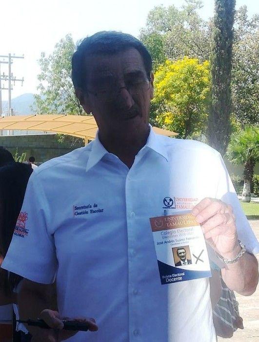 Emite su voto José Andrés Suárez Fernández candidato único a Rector