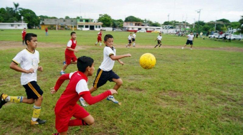 Continúa con éxito el Primer Torneo deFutbol Interescolar de la Zona Sur