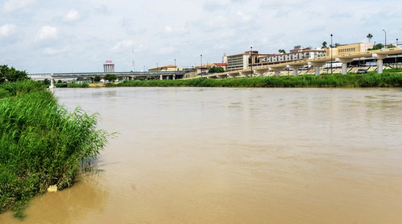 Alertan en Nuevo Laredo por crecida del río Bravo